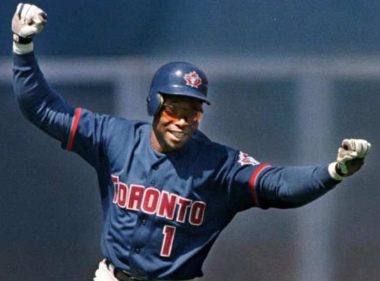 Tony Fernandez to coach Yunel Escobar in the offseason